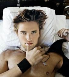 Robert Pattinson  on Robert Pattinson Sexy In Bed Photo 226x300 Jpg